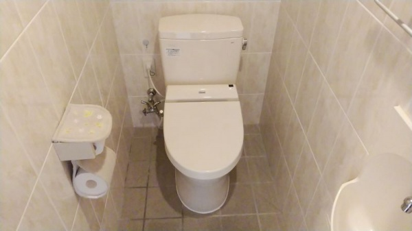 沖縄トイレ交換2