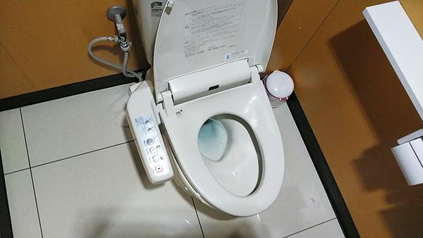 沖縄 トイレ交換1-1