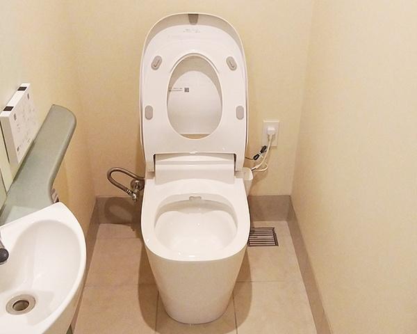 0824沖縄トイレ交換2-1