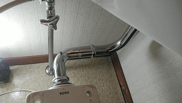 0430山形 トイレ洗浄管の交換-1