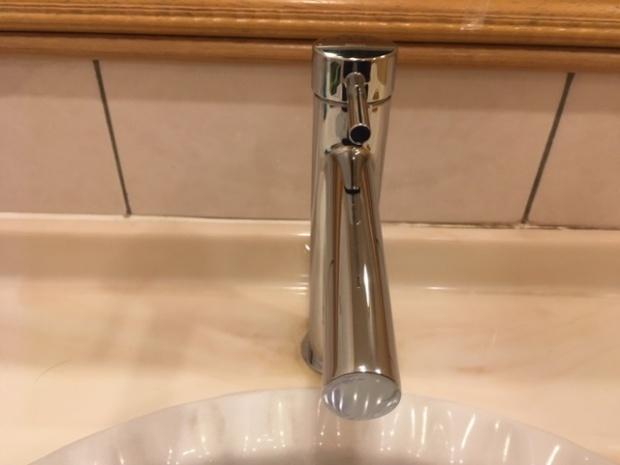 山口トイレ内の蛇口2